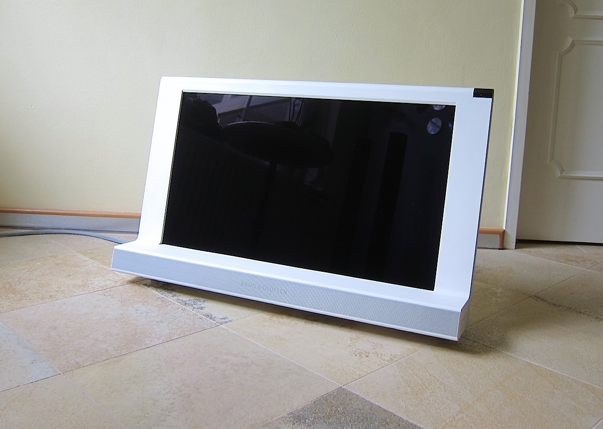 bang olufsen b o hd lcd tv beovision 8 32 white 2007 ebay. Black Bedroom Furniture Sets. Home Design Ideas